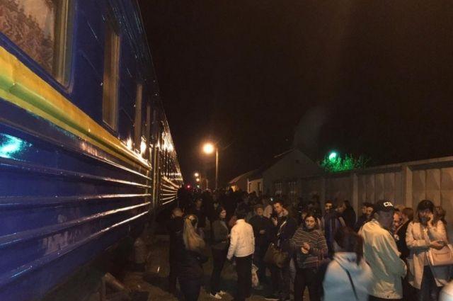 Поезд «Николаев-Киев» заминирован: эвакуированы 700 пассажиров