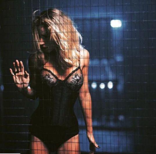 Кадр со съемок клипа, это черное боди - одно из самых эффектных нарядов Светланы Лободы.