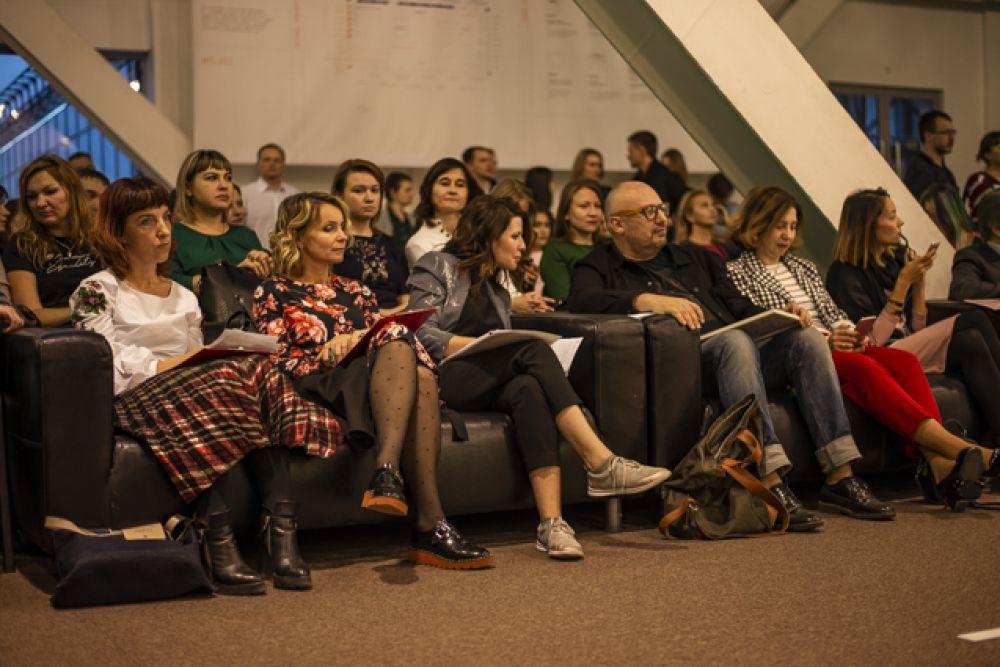 Жюри и зрители с удовольствием наблюдали за показом мод.