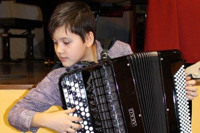 В Новом Уренгое ученики музыкальных школ поборются за звания юных виртуозов