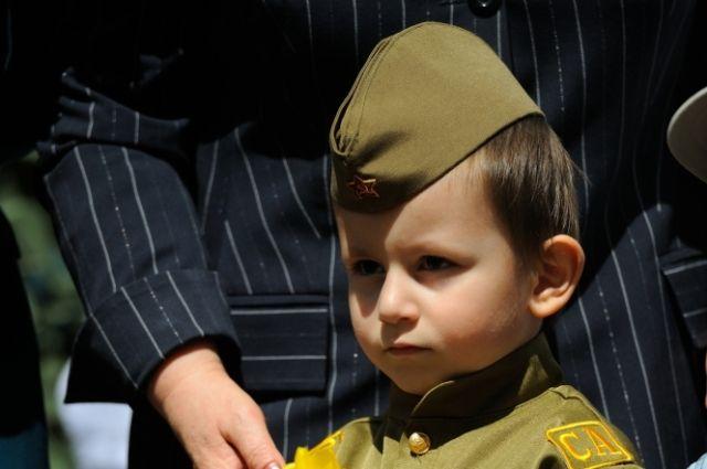 В школах Тюмени пройдет серия патриотических квест-игр «Ни шагу назад»