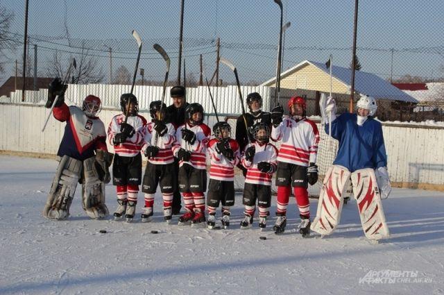 Короткий световой день в предстоящем сезоне не будет помехой для игр и тренировок хоккейных команд из посёлка Томинского.