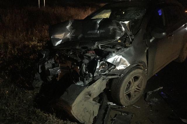 В результате дорожной аварии водитель автомобиля Suzuki SX4 получил травмы и был доставлен в больницу.