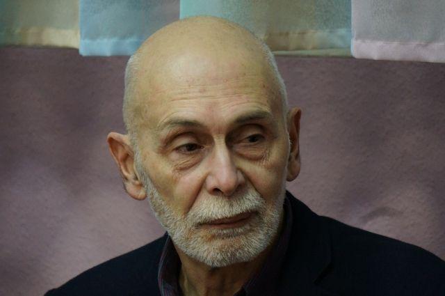Леонид Юзефович недавно выпустил новый сборник.