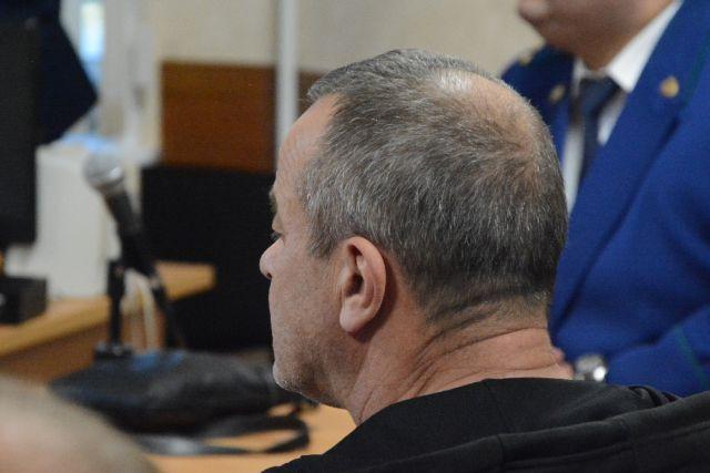 Александр Дворецкий признает, что получал деньги, но собирался их передать одному из чиновников.