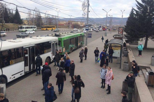 Водители автобусов говорят, что акции протеста продолжатся.