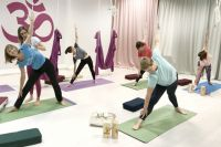 Для тюменских пенсионеров пройдет бесплатный курс йоги