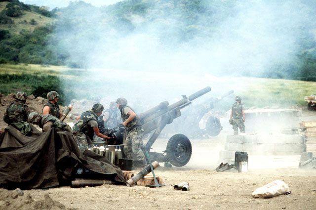 Позиция 105-мм гаубиц M102 1-го дивизиона 319-го артполка 82-й воздушно-десантной дивизии.