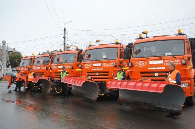 В Оренбурге прошел смотр подготовки техники к зиме.