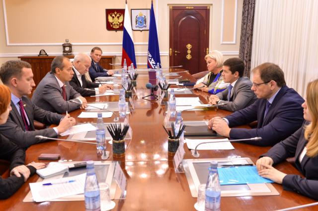 Дмитрий Артюхов встретился с представителями общественной палаты ЯНАО