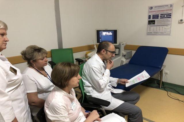 В Ноябрьске пациенток перинатального центра консультируют ведущие врачи