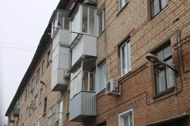 По словам женщины, тело младенца несколько лет пролежало на балконе.