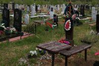 В Оренбургском районе многие кладбища оформлены с нарушением закона.