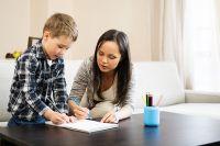 Если родители решили на каком-то этапе взять на себя функцию учителя, важно уметь разделять эти две роли.