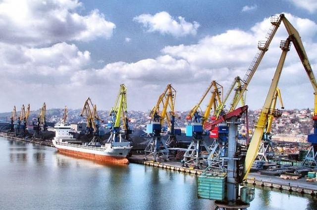 Ситуация в Азовском море: Омелян назвал огромные убытки украинских портов