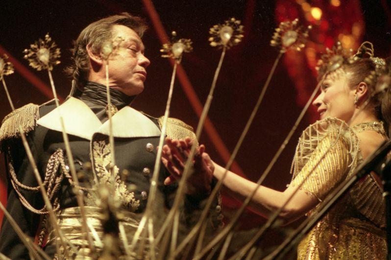 Николай Караченцов во время выступления, «Юнона и Авось», театр Ленком. 2001 год.
