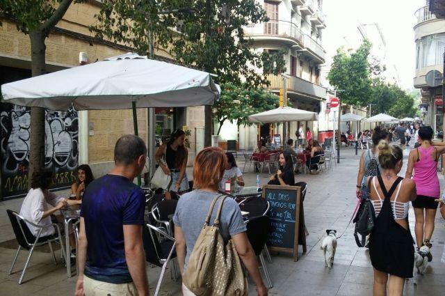 Из-за большого количества приезжих цены в Барселоне выше на всё - от креветок до квартиры.