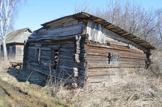 Одна из главных проблем – переселение жителей посёлка в подходящее жильё.