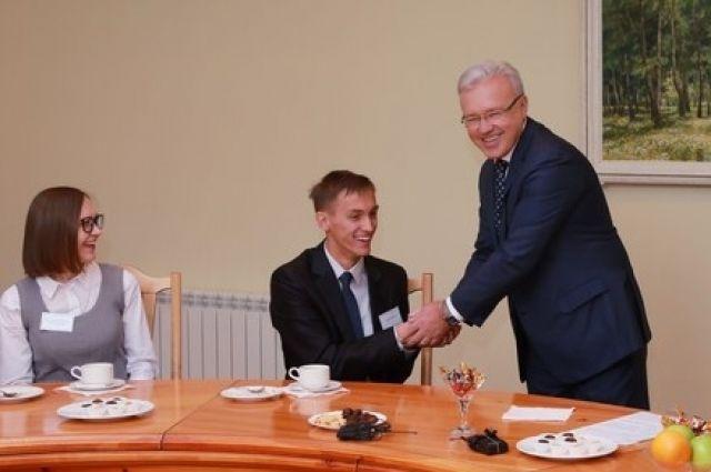Александр Усс встретился с победителями конкурса