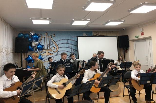 В Ноябрьске отметила 30-летний юбилей музыкальная школа №3