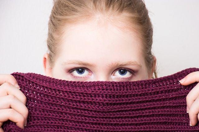 Почему сухие глаза чаще моргают?