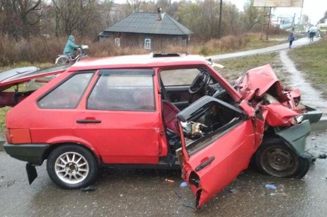 Остро стоит вопрос с нарушением правил дорожного движения теми водителями, которые как раз должны наиболее тщательно их соблюдать.