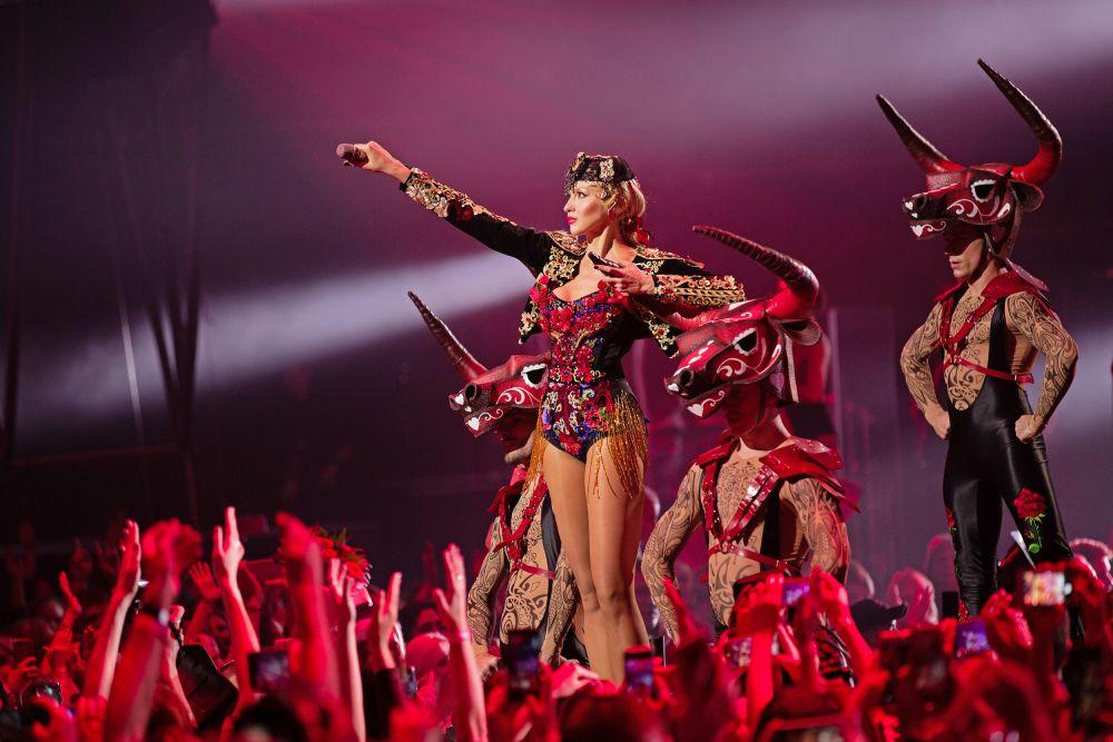 Несмотря на то, что песня «Королева ночи» вышла всего 4 месяца назад, она успела собрать более 20-ти миллионов просмотров в YouTube.