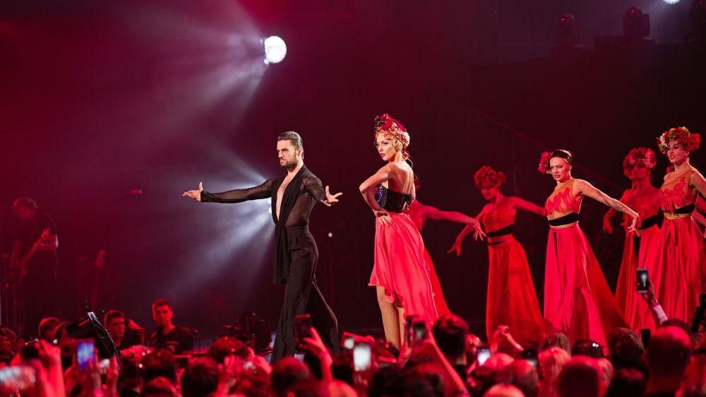 Те, кто не попал во Дворец спорта, смогут увидеть телеверсию гранд-шоу «Королева ночи» на канале «1+1» в ноябре.