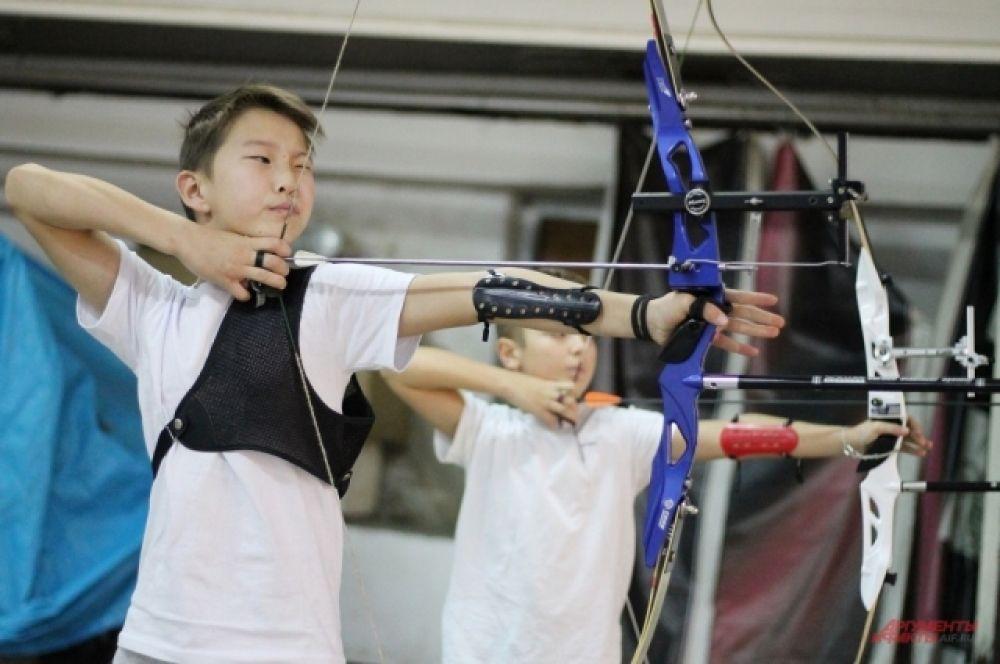 В классическом луке среди юниоров и юниорок 2002-2005 годов рождения все призовые места заняли стрелки из Иркутска.