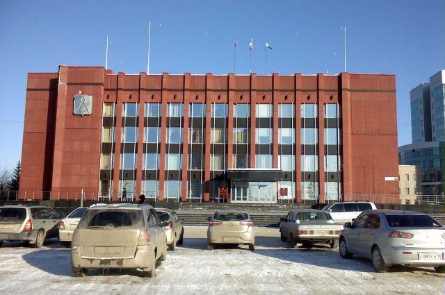 Кстати, именно 19 октября приступил к своим обязанностям новый глава города Олег Бекмеметьев.