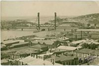 На заднем плане — новый «Американский» мост.