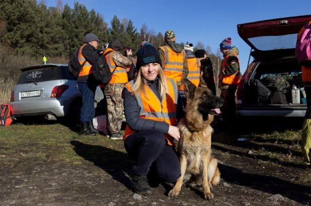 Волонтеры тратят немало личных средств на бензин, листовки, батарейки, чтобы спасти чью-то жизнь.
