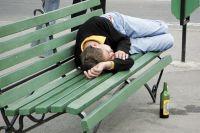 Чаще всего люди злоупотребляют алкоголем в тех городах, где есть проблемы с трудоустройством.