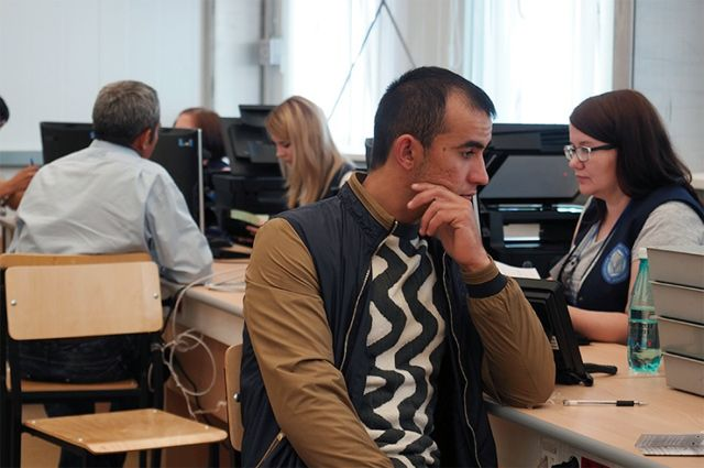 Возможности Многофункционального миграционного центра города Москвы в Сахарово позволяют ежедневно обслуживать до 8 тыс. человек.