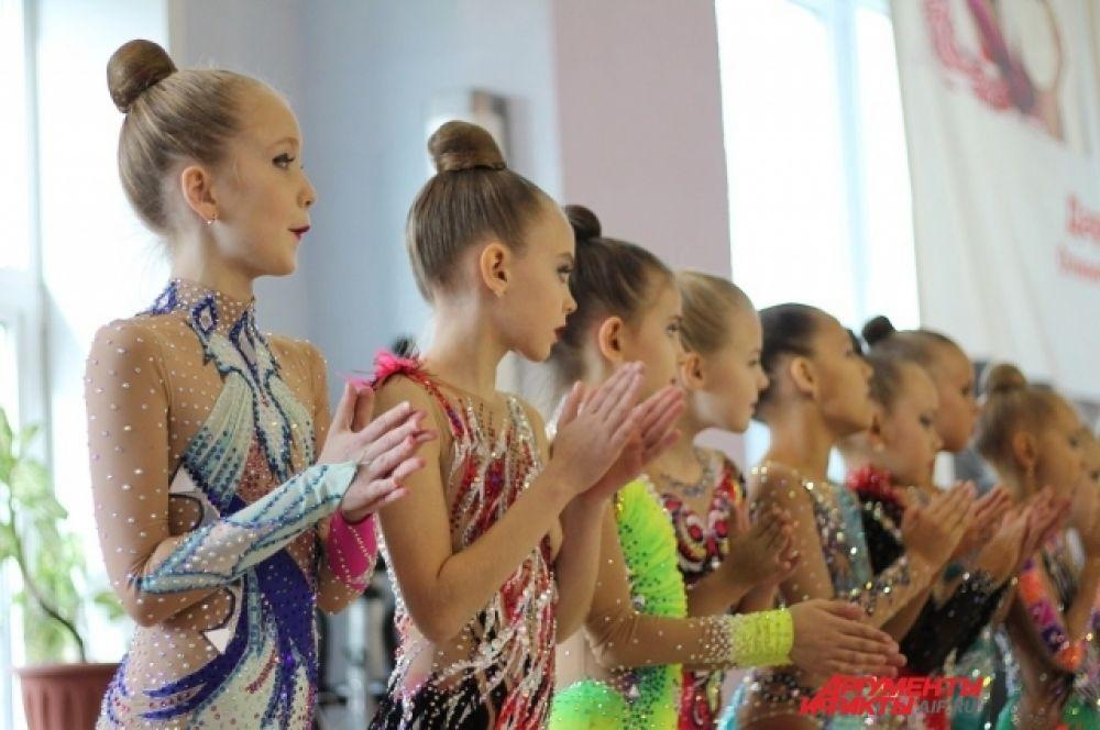 Возможно, через несколько лет эти девочки смогут претендовать на золото Олимпийский игр. Как это сделала, например, иркутская спортсменка Дарья Дмитриева.