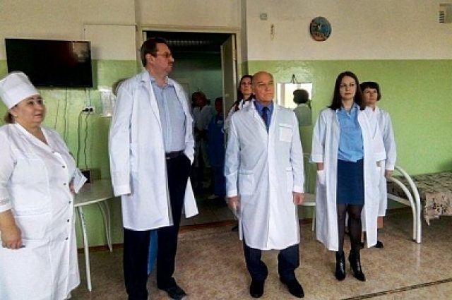 Уполномоченный по правам человека посетил интернат в Новотроицке.