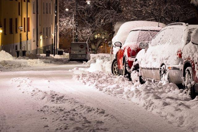 В общей сложности будут работать 430 единиц снегоуборочной техники.