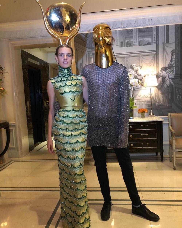 Наталья Водянова тоже примерила на себя образ богини плодородия.