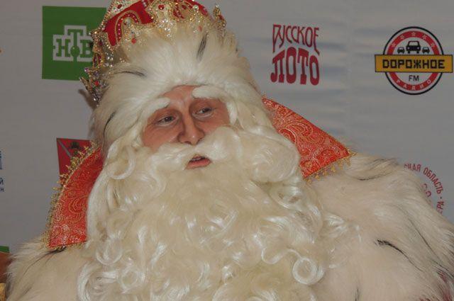 Дед Мороз везет тонны подарков для ребят!