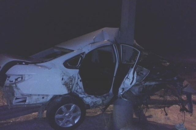 Пассажир машины, которая разбилась под Новым Уренгоем, погиб на месте