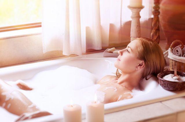 Как приготовить расслабляющую ванну против стресса?