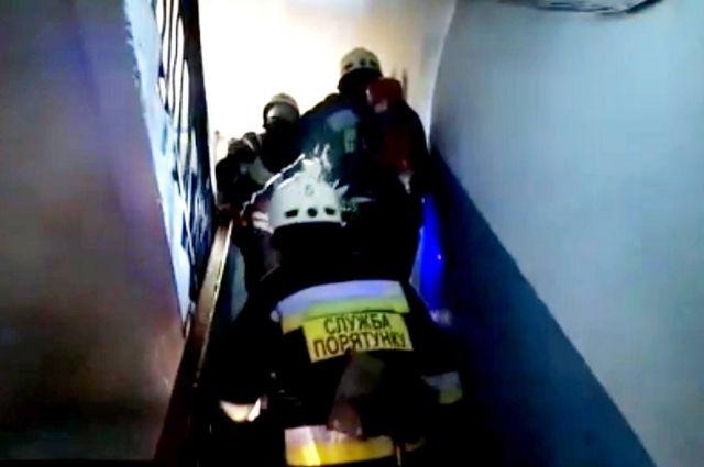 В Днепре произошел пожар в многоэтажке: погибли взрослые, выжил ребенок