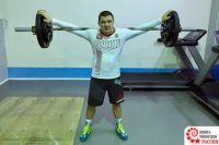 Таркосалинец попал в Книгу рекордов России за приседания с 90 кг штангой