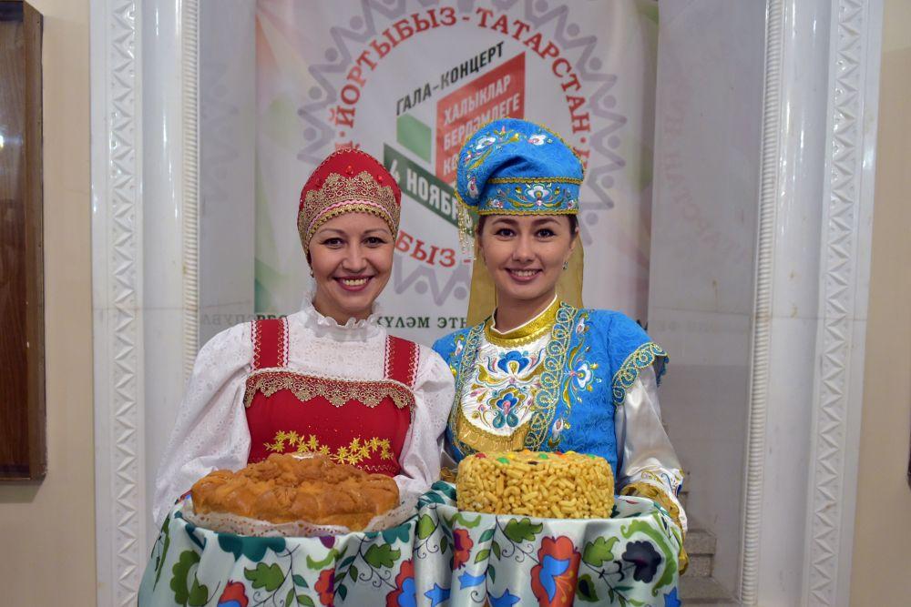 Под конец дня в театре оперы и балета в пятый раз прошел этнокультурный фестиваль.