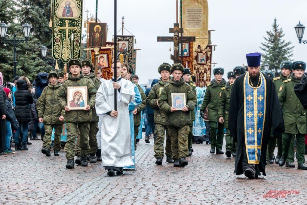 Помогали в организации во время торжеств казаки, члены молодежного движения «Казанские православные добровольцы», сотрудники республиканского МВД.