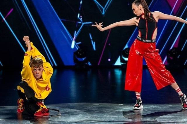 Орчанка Айгуля Бузаева выбыла из шоу «Танцы» на ТНТ.