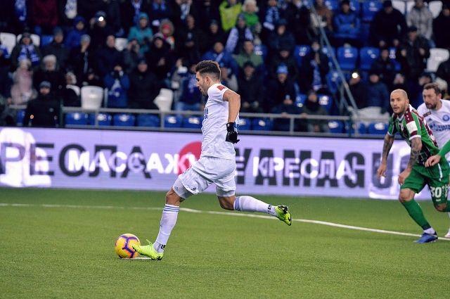 Единственный гол с пенальти забил Алексей Сутормин.