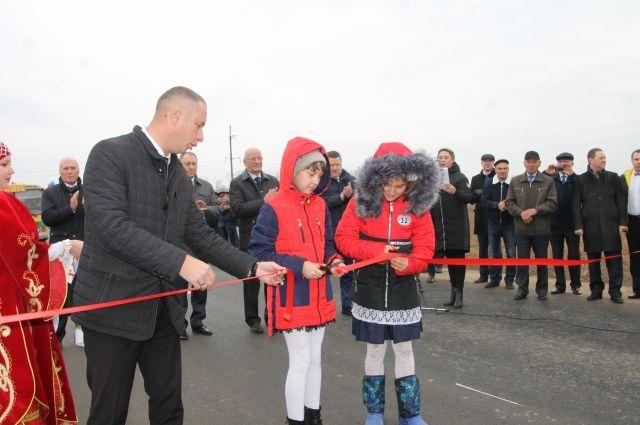 По новой дороге дети будут добираться до школы в разы быстрее и безопаснее.