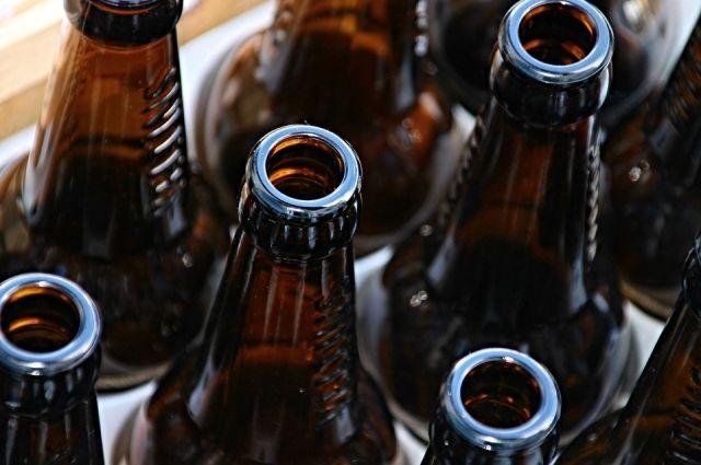 Жителю Тюменской области не дали продать 2,8 тысяч бутылок «паленки»