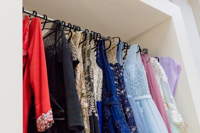 Зачем брать напрокат платья и рубашки?